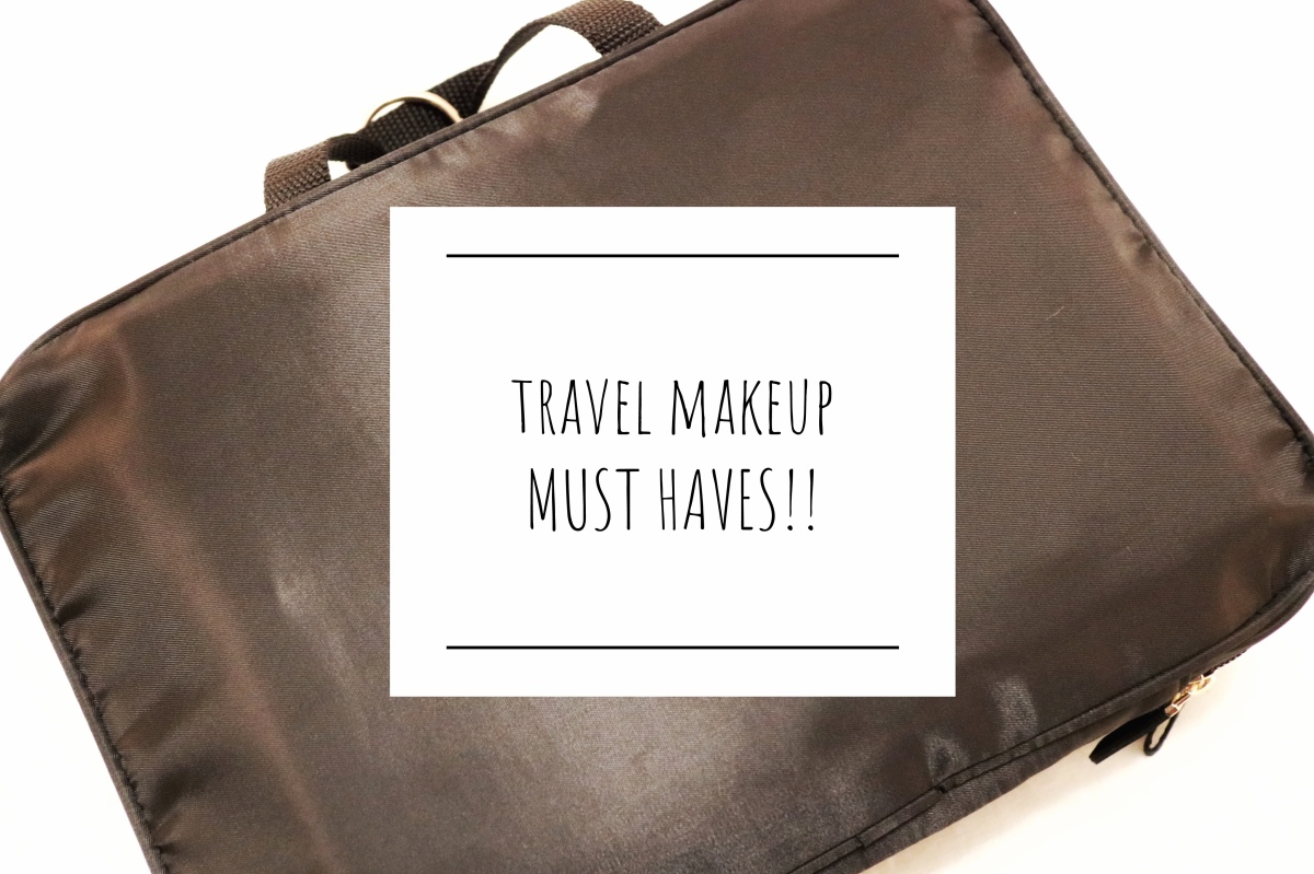 what's in my travel makeup case? | SKI TRIP EDITION